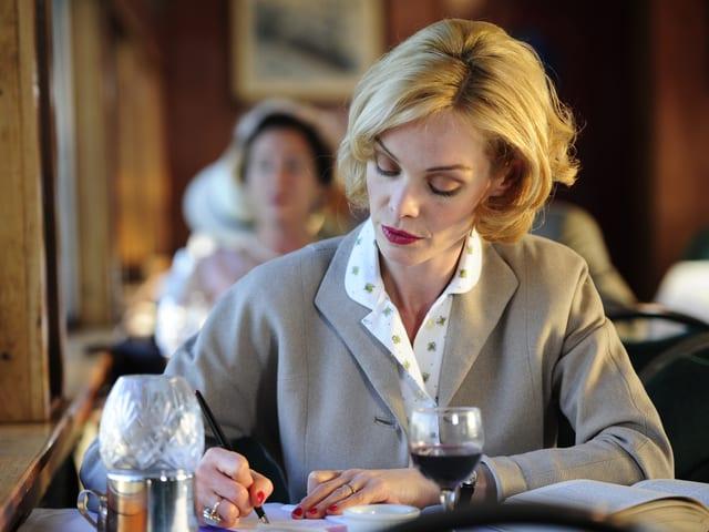 Im Film «Verliebte Feinde»: Mona Petri als Iris von Roten.
