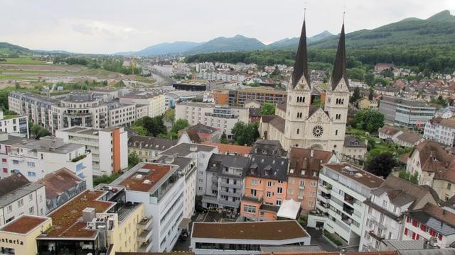 Blick auf die Stadt olten mit der Martinskirche