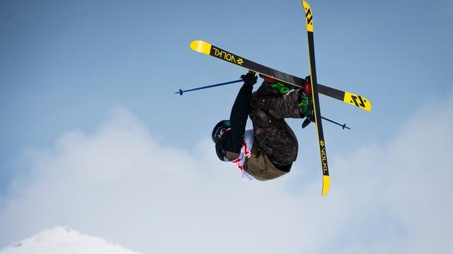 Il freeskier grischun Andri Ragettli.