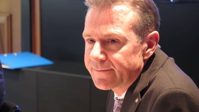 Peter Bühlmann während der Medienkonferenz in Aarau.