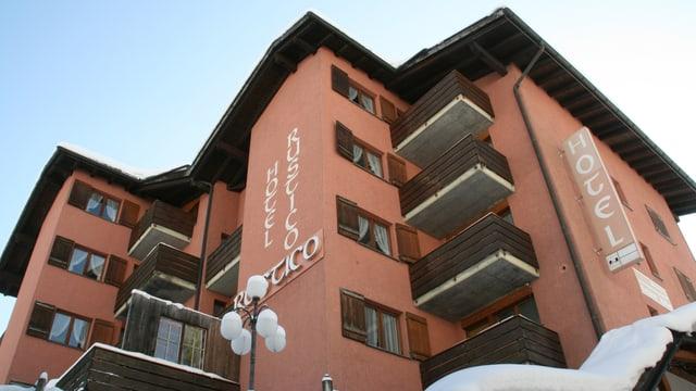 Il hotel Rustico che serva sco center da requirents d'asil.