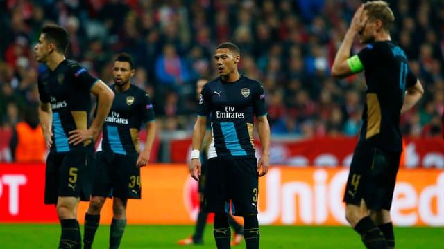 geknickte Arsenal-Spieler nach der Niederlage in München.