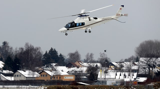 Helikopter fliegt los