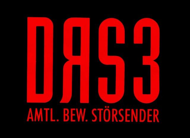 Rot auf schwarz. Das Logo von DRS 3 aus den