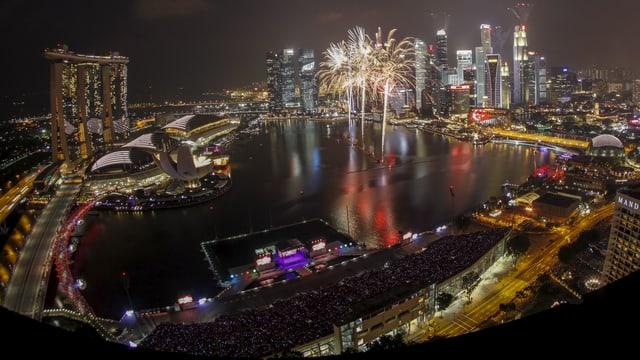 Feuerwerk über Singapur.
