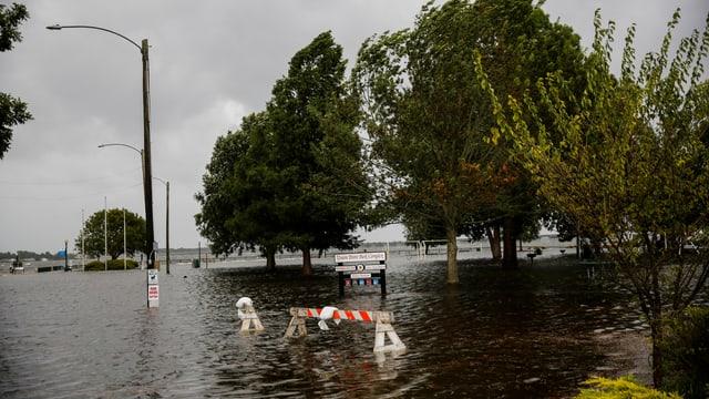 An diversen Orten sind die Strassen und Pärke jetzt schon überflutet – zwei Tage bevor «Florence» auf Land trifft.