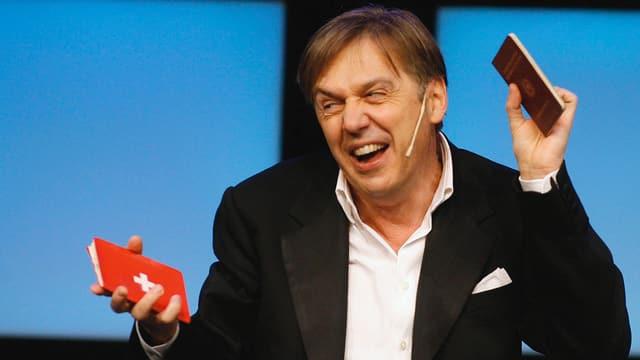 Video «Massimo Rocchi - fertig lustig?» abspielen