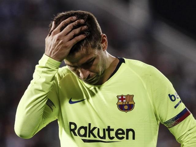 Gerard Piqué gezeichnet von der unerwarteten Niederlage.