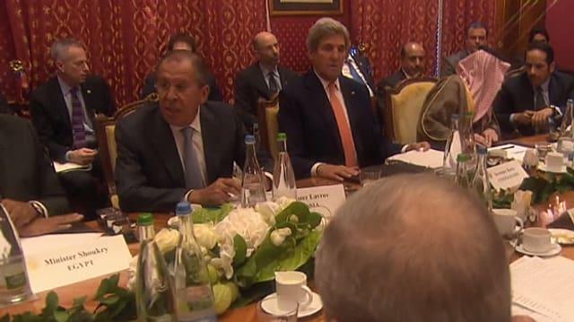 Sergej Lawrow und John Kerry am Gesprächstisch.