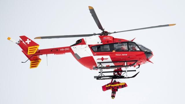 Il helicopter en acziun suenter la crudada da Puchner.