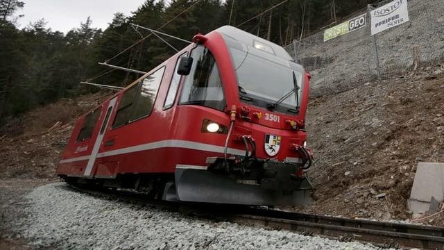 Il tren da Cuira ad Arosa.
