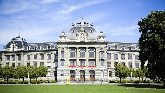 Das Hauptgebäude der Universität Bern.