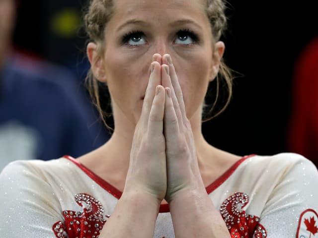 Hoch konzentriert: Mit einer soliden Leistung qualifiziert sich die Kanadierin Brittany Rogers für den Final im 110-Meter Beten.