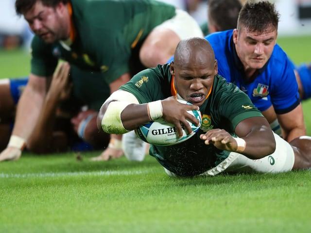 Mbongeni Mbonambi punktet für Südafrika.