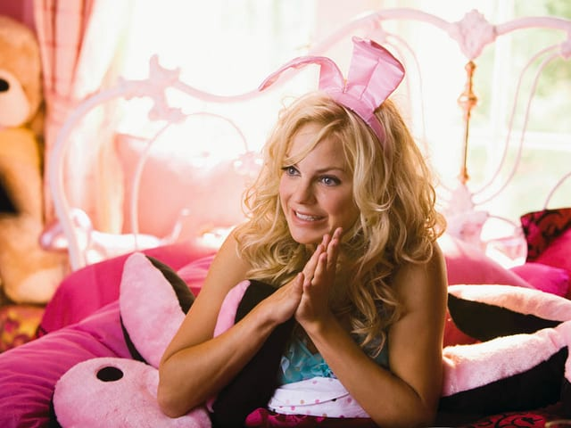 Anna Faris als Playboy-Bunny Shelley.