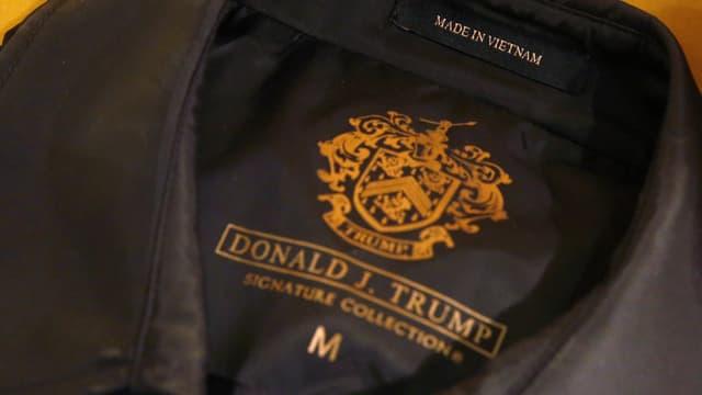 Ein Sakko Marke Donald Trump, Made in Vietnam.