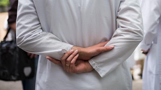 Stundenlohn Arzt
