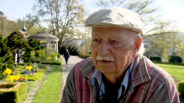 Mietek Przewrocki wird interviewt.