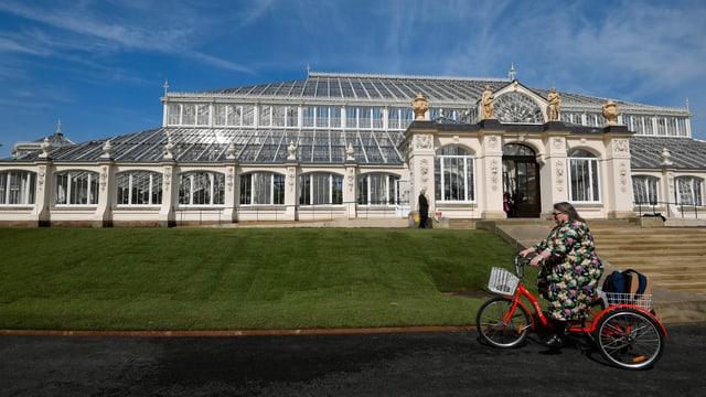 Ansicht der königlichen botanischen Gärten in Kew, im Südosten von London.