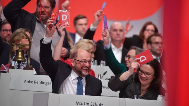 Martin Schulz ed Andrea Nahles al di da partida a Berlin.