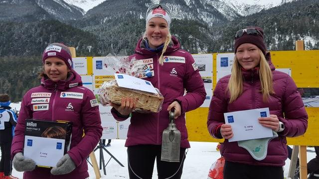 Jogscha Abderhalden, Fabiana Wieser e Tania Arquint (da san.)
