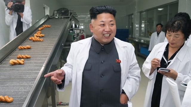 Kim Jong-un besichtigt Süsswaren-Fabrik