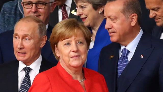 Wkadimir Putin, Angela Merkel e Recep Tayyip Erdogan da sanester.