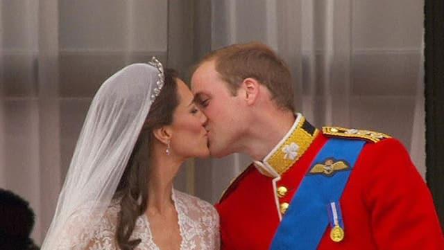 Der erste Kuss: Kate und William.