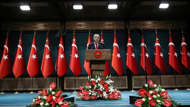 Erdogan kündigt an, dass die Wahlen vorverlegt werden