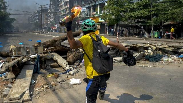 Protests en il Myanmar.