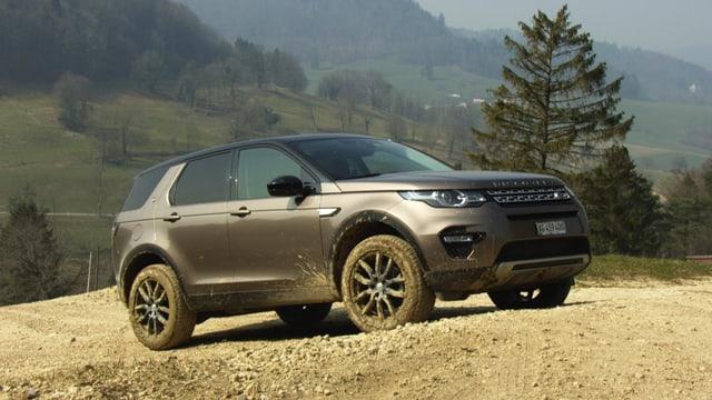 Video «Land Rover Discovery, Ändu beim Carrosseriespengler, F wie Front» abspielen