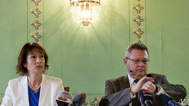 Leitung der BKW, CEO Suzanne Thoma (links) und Verwaltungsratspräsident Urs Gasche, bei der Medienkonferenz.