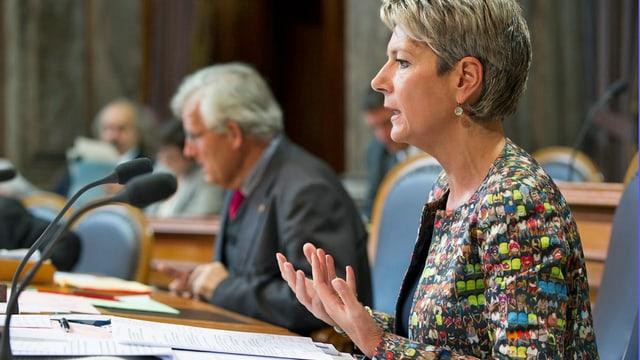 Karin Keller-Sutter bei Debatte im Ständerat.