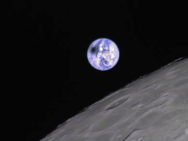 Erde vom Mond aus fotografiert