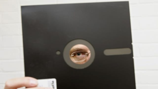 Ils emprims floppy-discs avevan ina diagonala da radund 20 cm