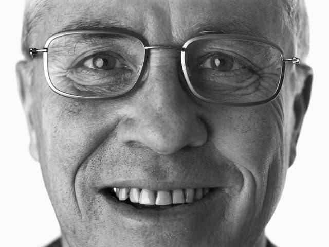 Bild von Gesicht eines Mannes in schwarzweiss