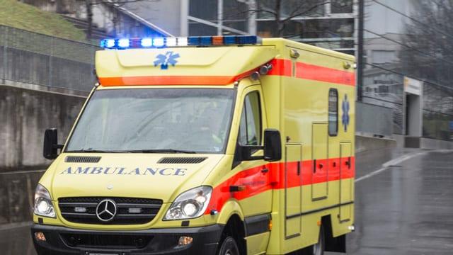 Ambulanz mit Blaulicht