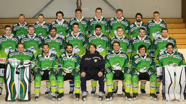 L'equipa da Partenz Signuradi da la stagiun 2015/2016.