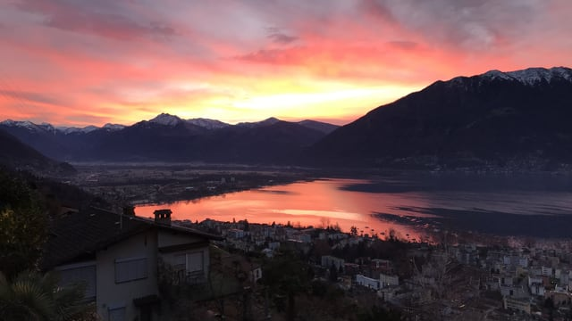 Blick auf den morgendlichen Lago Maggiore
