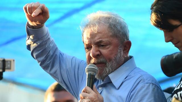 Lula hält Rede.