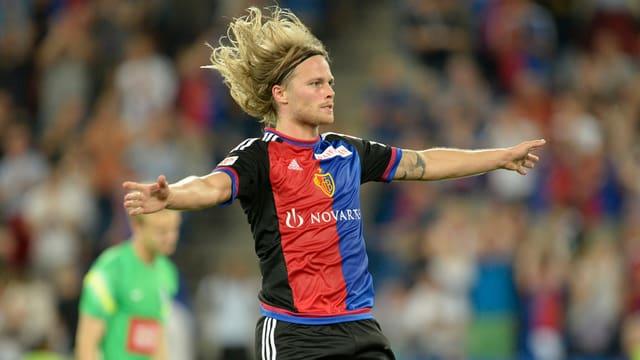 Il giugader islandais Bjarnason sa legra da ses gol.