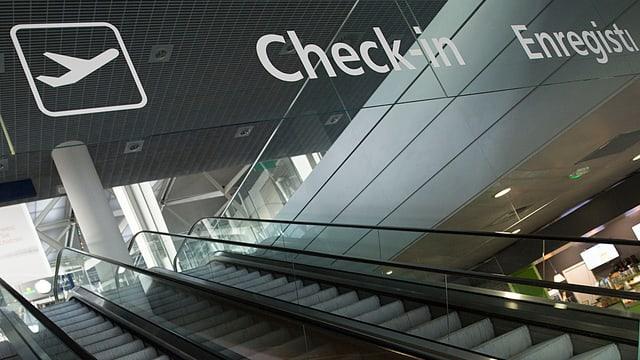 Check-in am Flughafen.