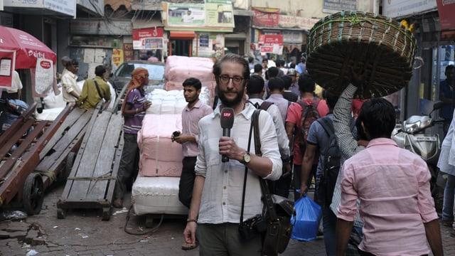 Seit 2016 berichtet Thomas Gutersohn als Radio Korrespondent aus Südasien.
