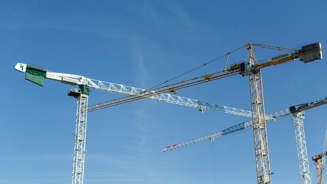 Bauunternehmen, die zu tiefe Löhne zahlen, sollen gebüsst werden.