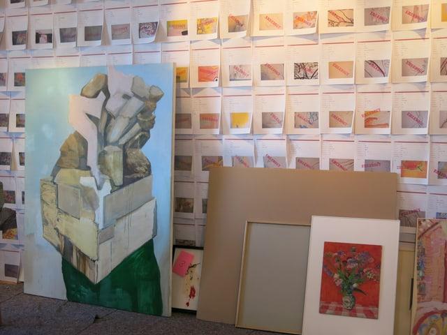 Nicht mehr benötigte Kunstwerke warten in der Galerie Archivarte auf ihre Zerstörung.