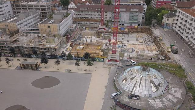 Luftbild vom «Chessu» mit der Hotel-Baustelle.