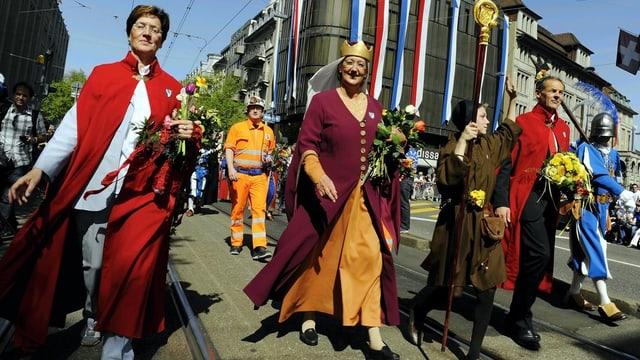 2011 durfte die Frauenzunft nur vor dem offiziellen Umzug durch Zürich marschieren.