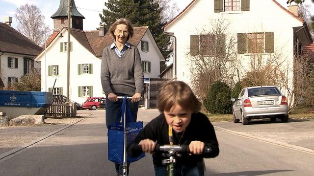 Video «Zwischen Last und Liebe – Die neuen Grosseltern» abspielen