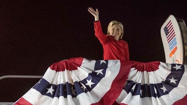 Clinton per ir en l'aviun.
