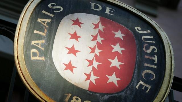 Walliser Wappen an einem Gerichtsgebäude